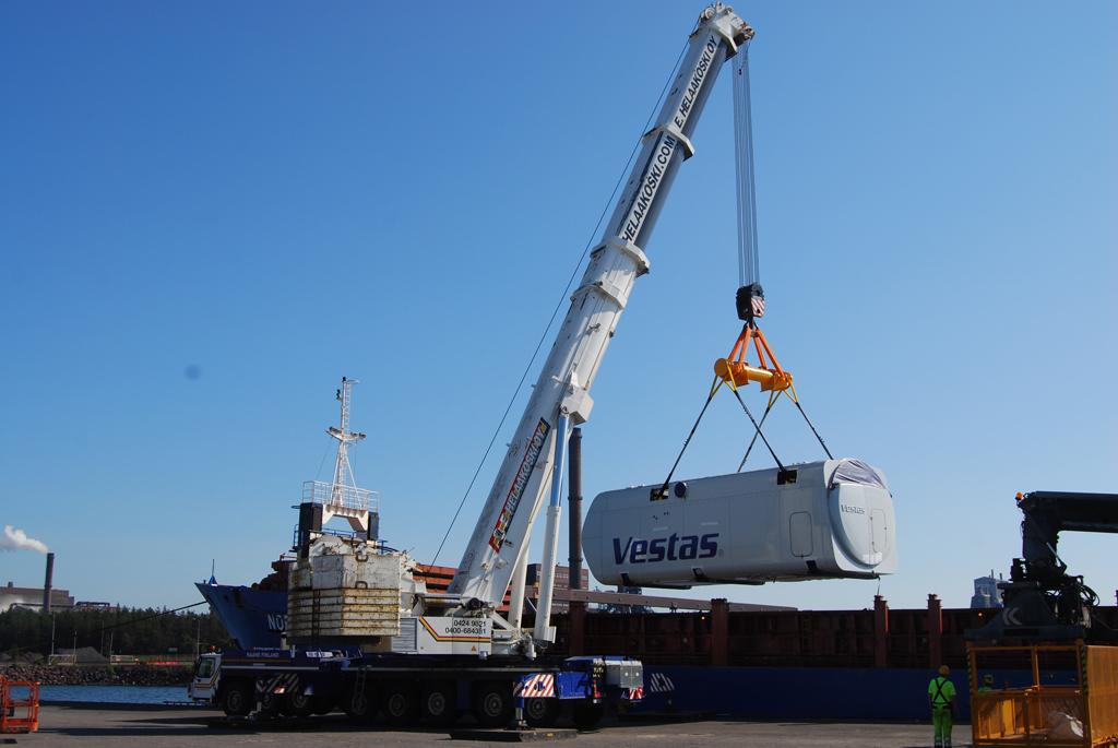 Nacellin paino 140 tonnia, Liebherr LTM 1500-8.1