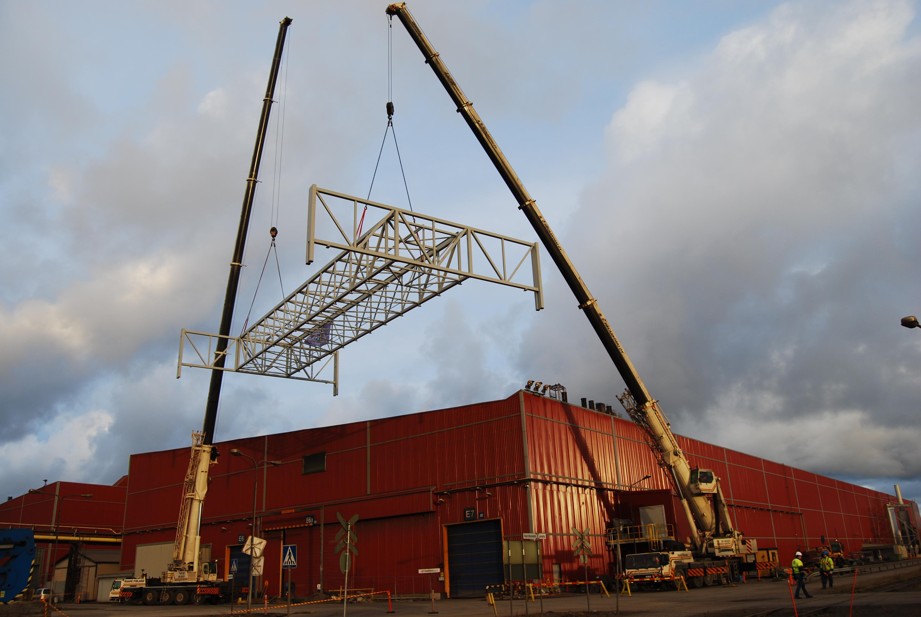 Ruukki Oy Raahe / YTT-konepaja, Valssaamon hehkutusuunin kattolyhde